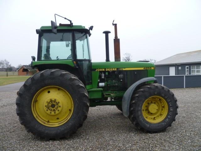 Tractor John Deere 4255 - technikboerse.com