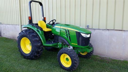 2014 John Deere 4066M (72142) | Sinclair Tractor