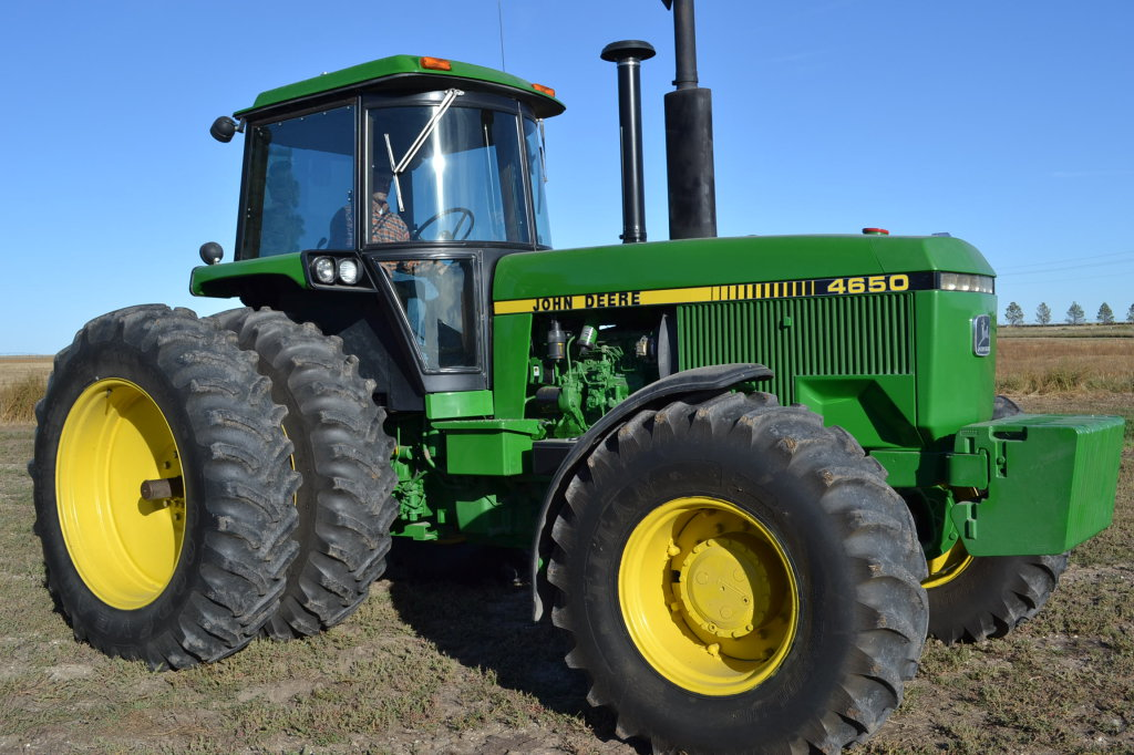 Three Record Auction Prices on JD 4650 Tractors in 2013