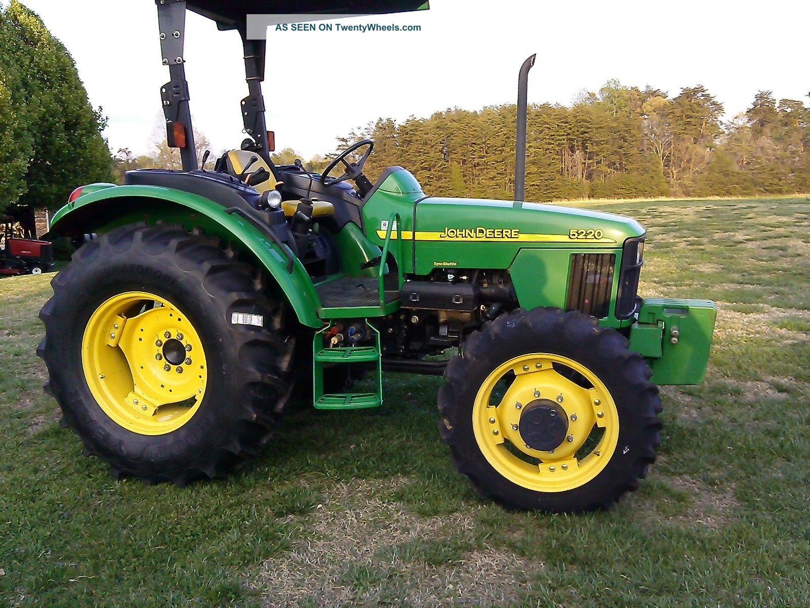 John Deere 5220 4x4 Tractor