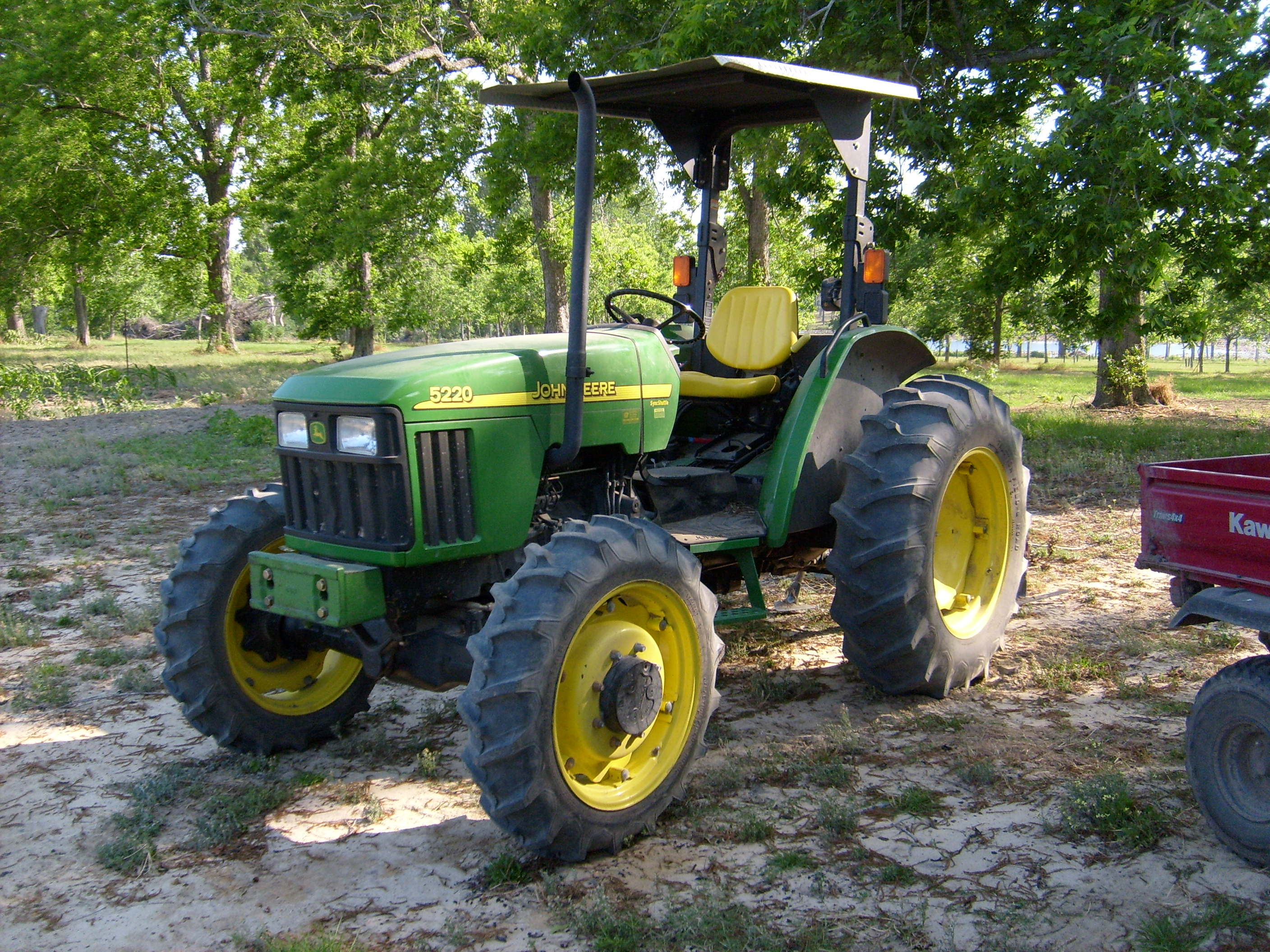 John Deere 5220 - Tractor & Construction Plant Wiki - The ...