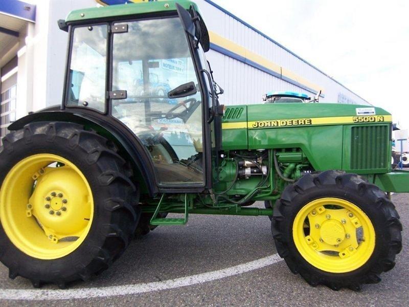 John Deere 5500 N Vineyard tractor - technikboerse.com