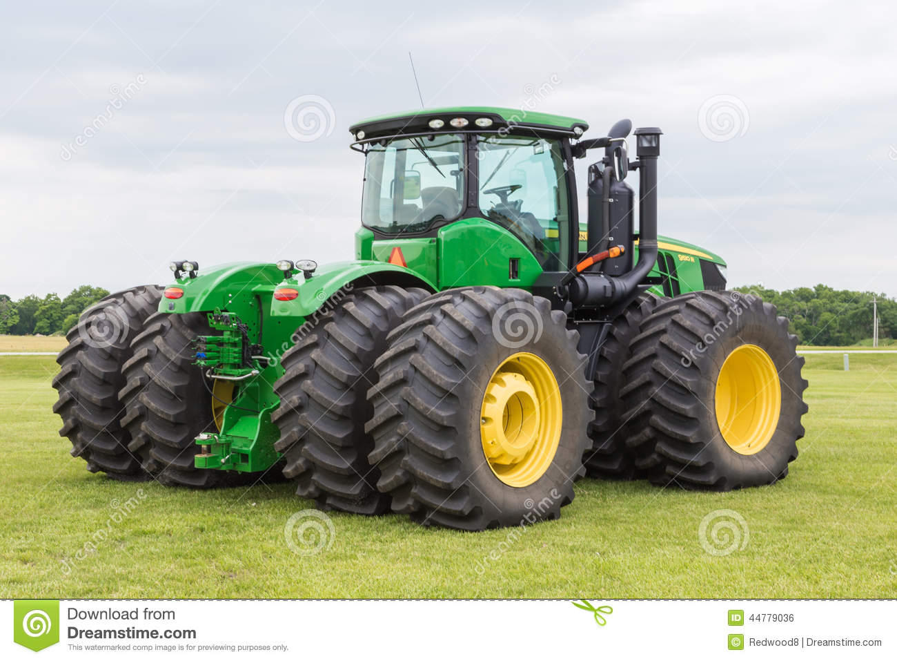 Model 9510 John Deere Tractor Editorial Photo - Image ...