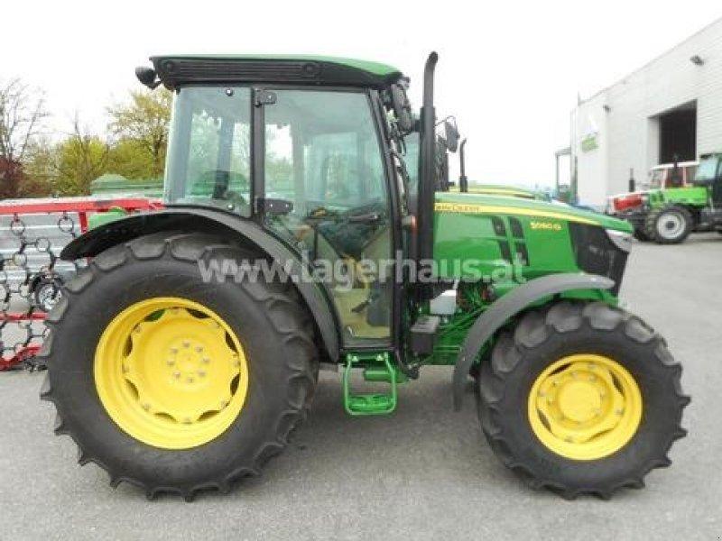 John Deere 5080G Tractor - technikboerse.com
