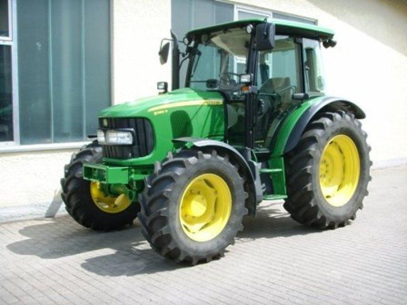 John Deere 5080R Tractor - technikboerse.com