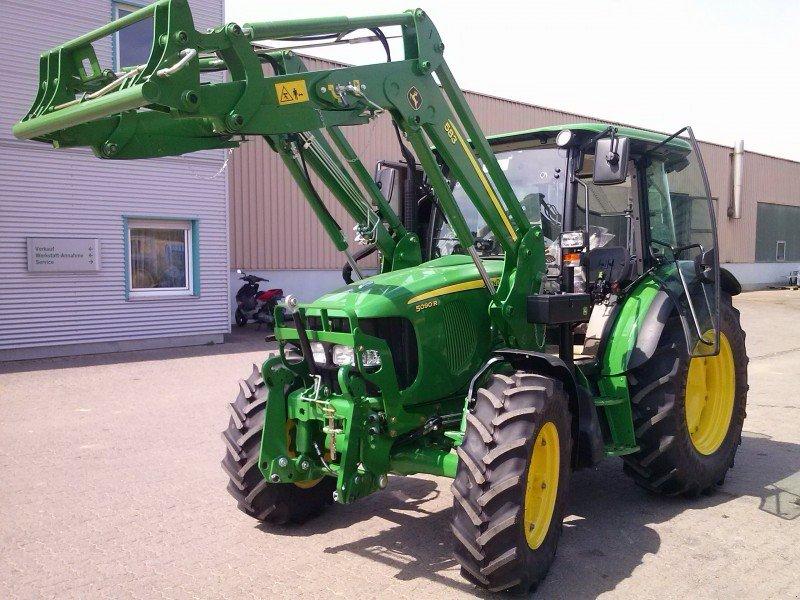 John Deere 5090R Tractor - technikboerse.com