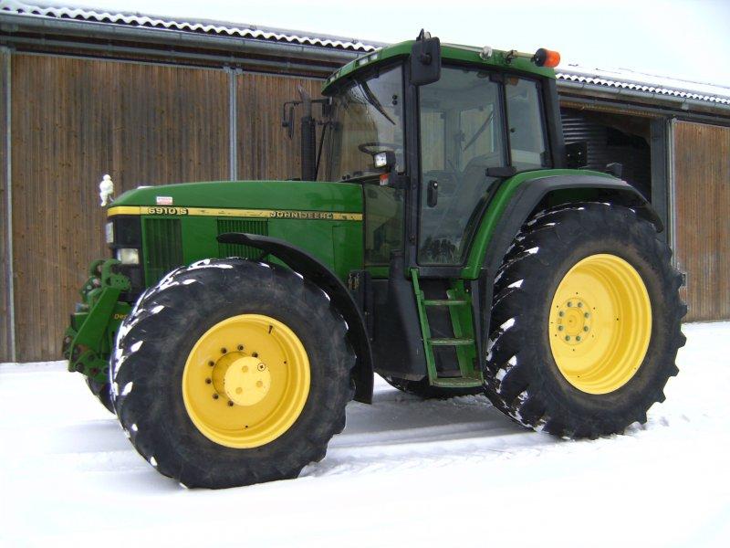 Tractor John Deere 6910 S - technikboerse.com