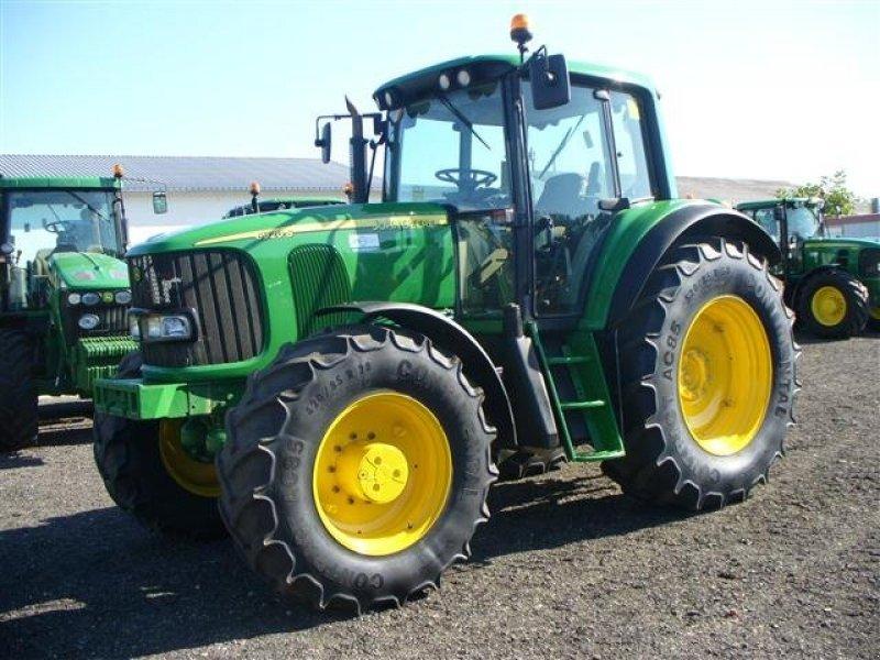 John Deere 6920S Tractor - technikboerse.com
