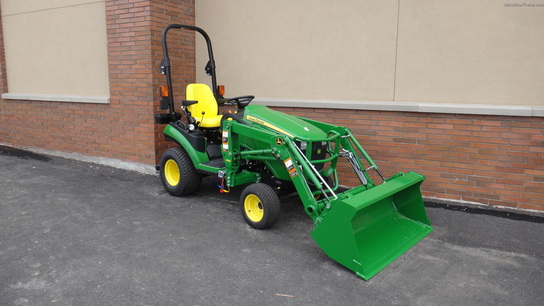John Deere 1025R & Loader Tractors - Compact (1-40hp.) - John Deere ...