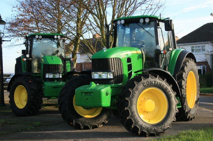 Tractor Photos - Two John Deere 7530 tractors