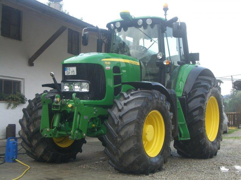 Tractor John Deere 7530 Premium - technikboerse.com