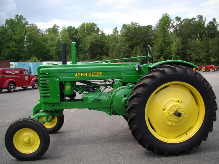 John Deere – Keystone Tractor Museum