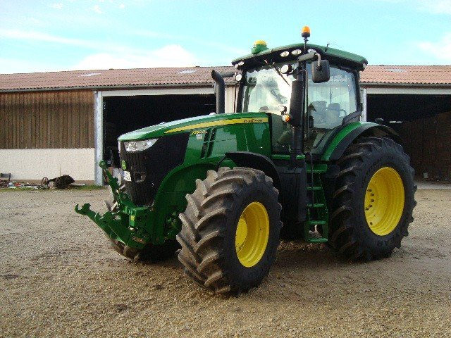 Tractor John Deere 7260R - technikboerse.com