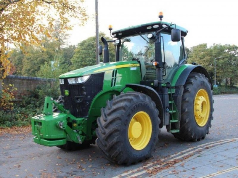 John Deere 7310R Tractor - technikboerse.com