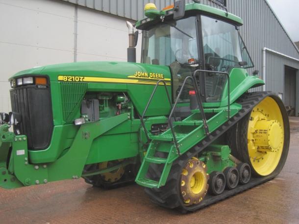 John Deere 8210T, 2002, 5,125 hrs   Parris Tractors Ltd