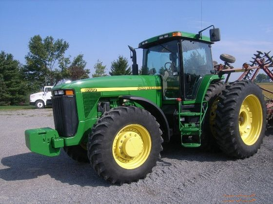 1999 JD 8100 Tractor Sold for $105K on Ohio Auction