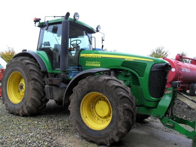Tractor John Deere 8520 - technikboerse.com