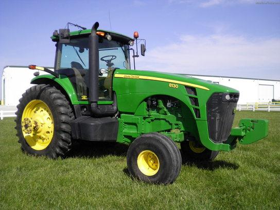 2007 John Deere 8130