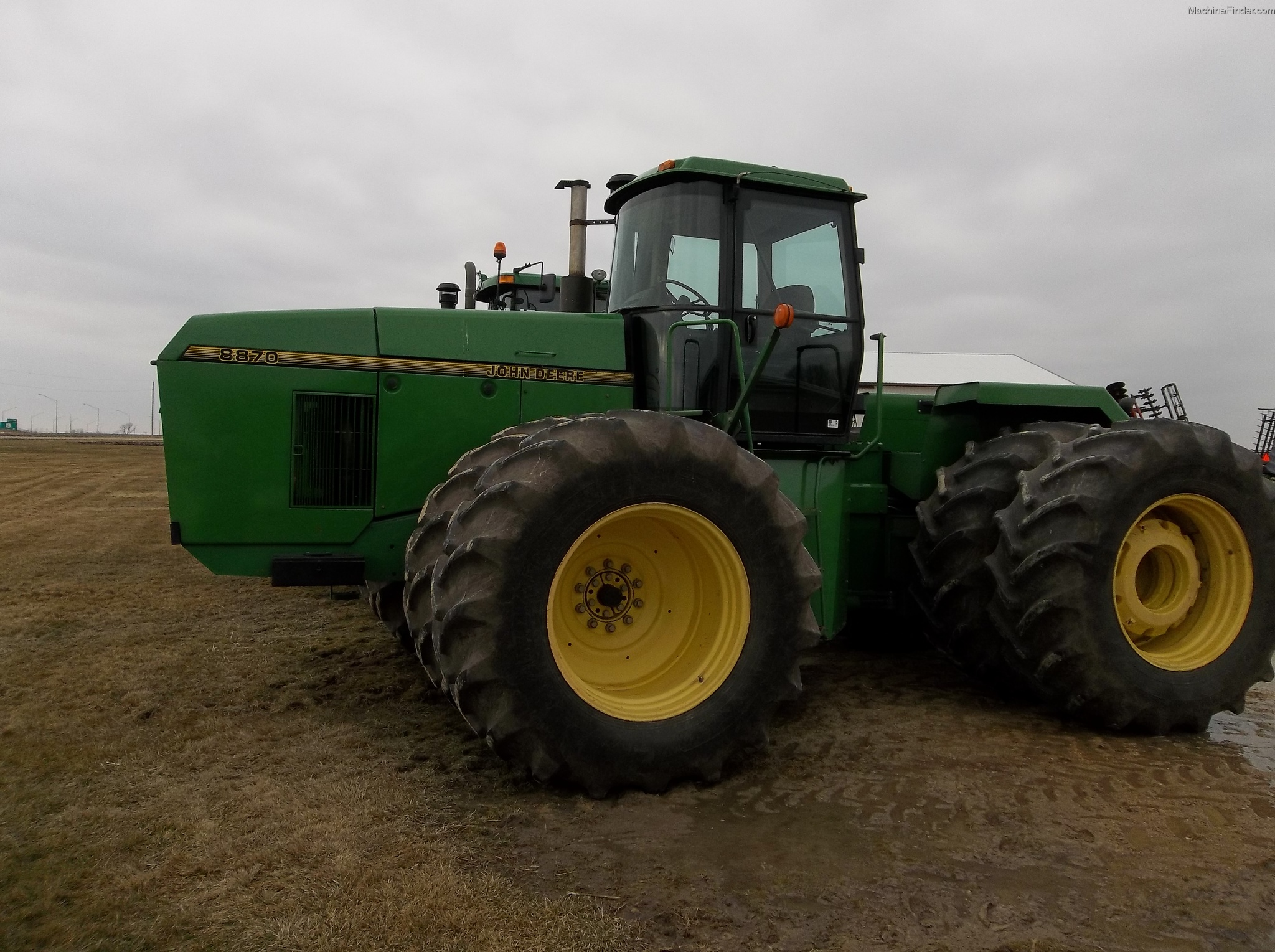 Image Gallery: A Review of the John Deere 8870