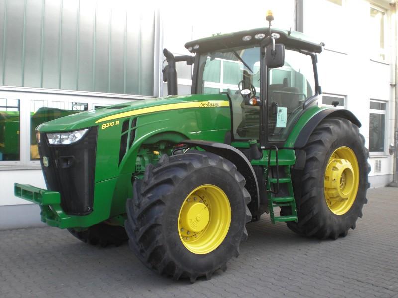 Tractor John Deere 8310R - technikboerse.com