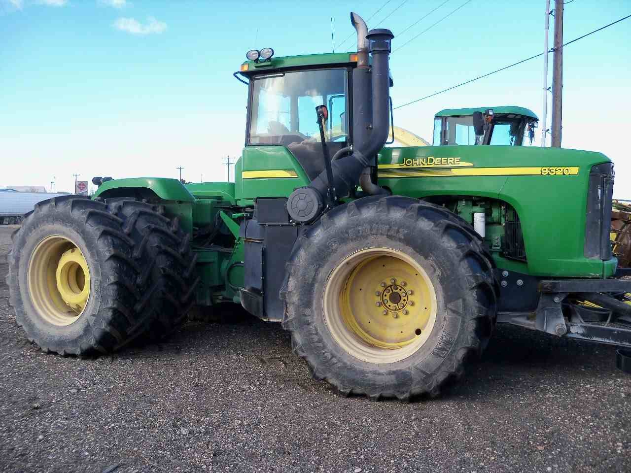 John Deere 9320 Tractor w/ Silage Blade - 2005 - Berry ...