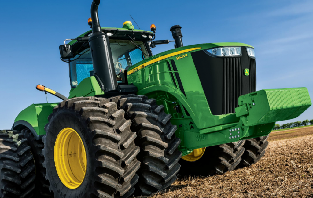 Sizing Up the Largest John Deere Tractor to Date: The 9620R