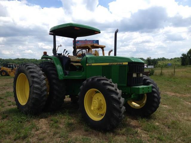 John Deere 7405 MFWD tractor