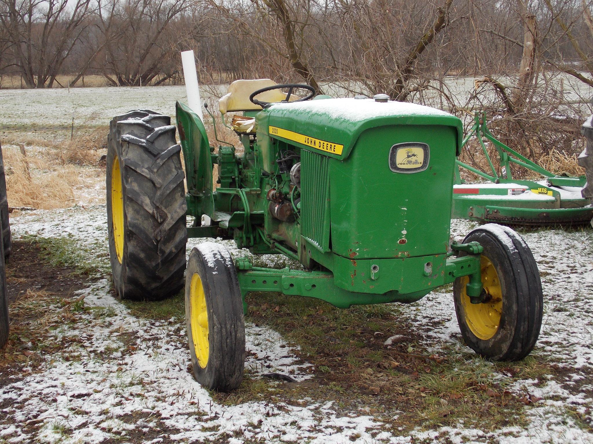 John Deere 2020 Tractors - Utility (40-100hp) - John Deere ...
