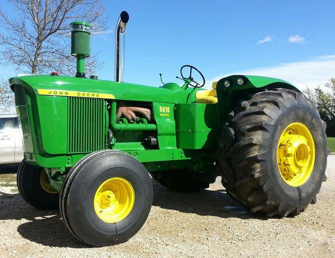 1963 John Deere 5010 (2013-11-22) - Tractor Shed
