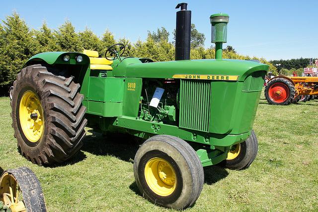 1964 John Deere 5010 Tractor.   Flickr - Photo Sharing!