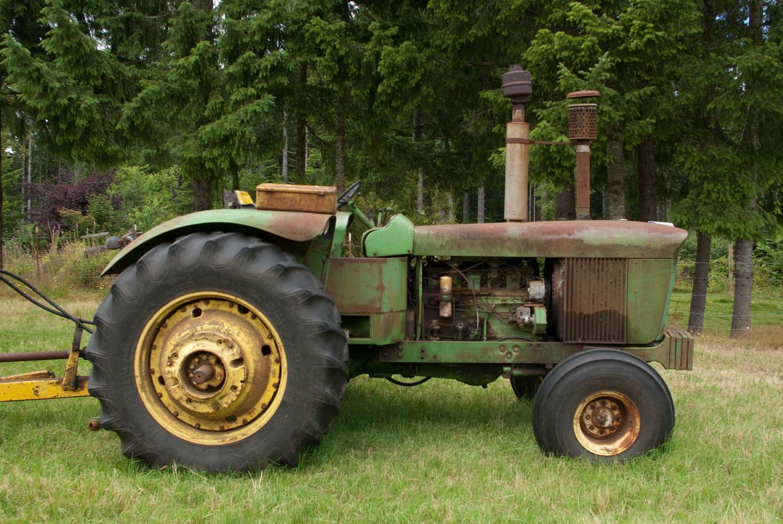 John Deere Model 5010 Farm Tractor