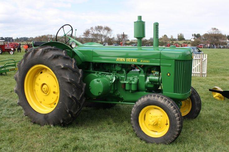Tractor Photos - 1952 John-Deere Model R