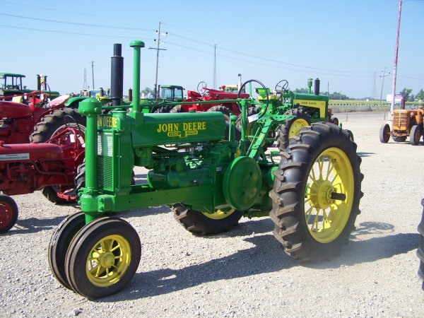 343: John Deere A GP Antique Narrow Front Tractor : Lot 343