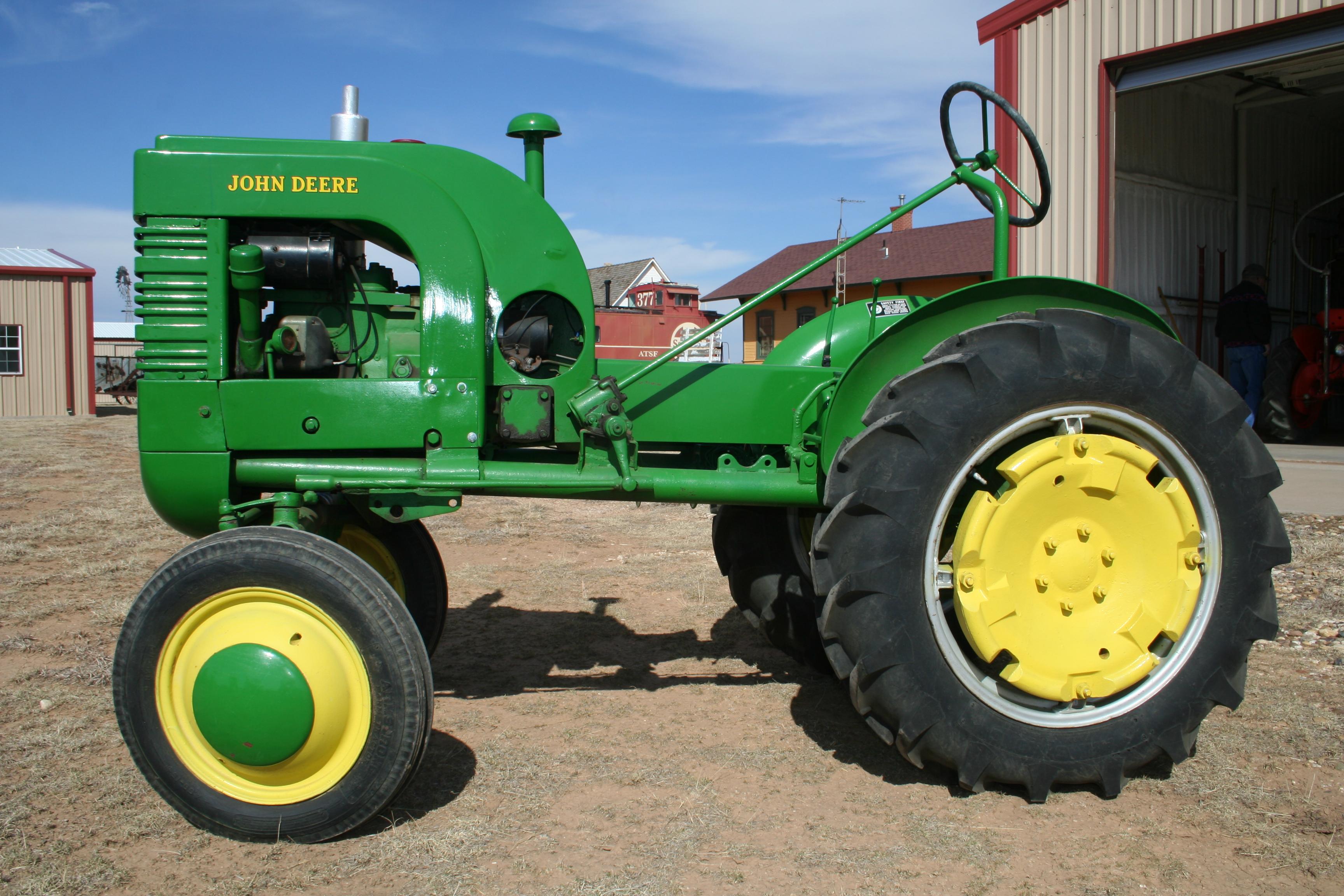 John Deere LA (1941 – Armstrong)   Troy's Tractors