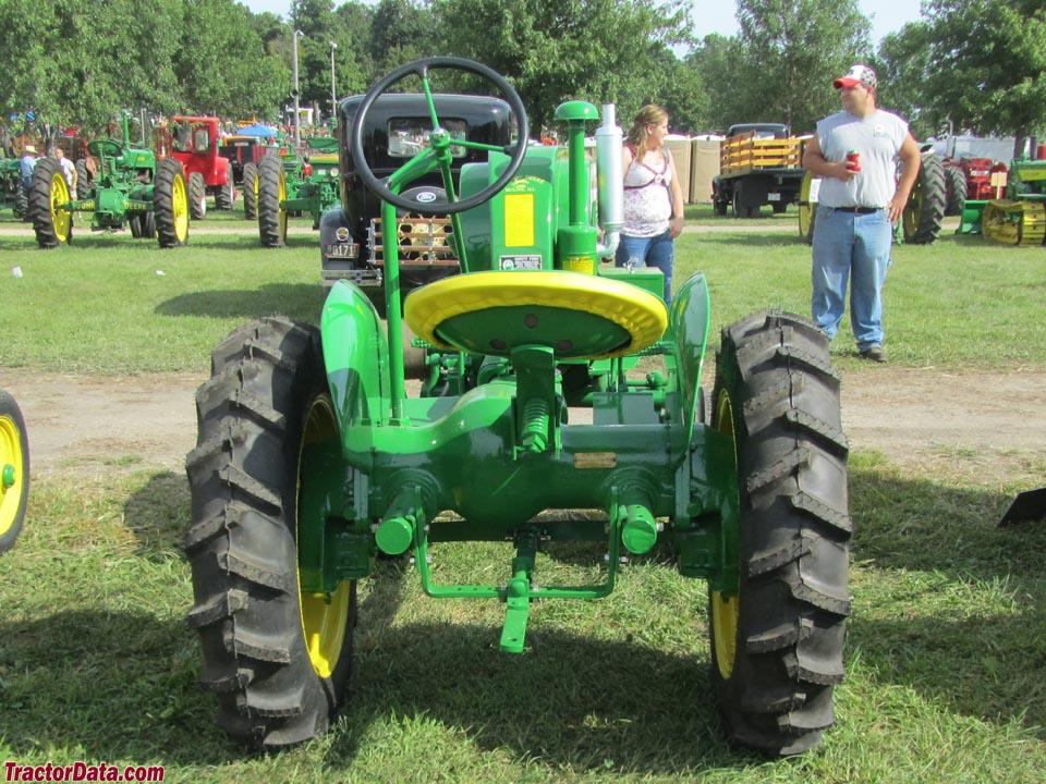 TractorData.com John Deere LA tractor photos information