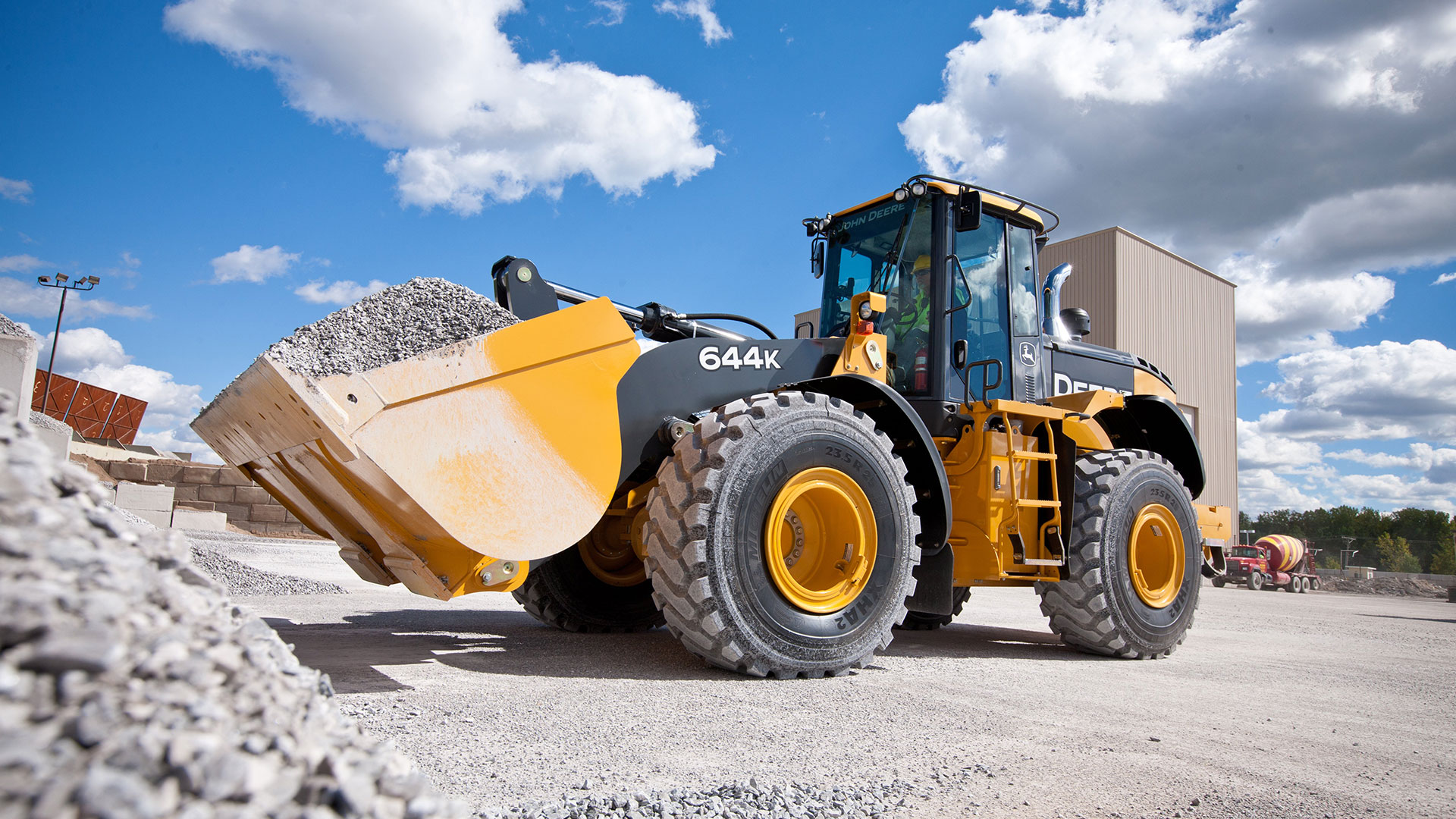 John Deere Construction Equipment Videos: See the Machines ...