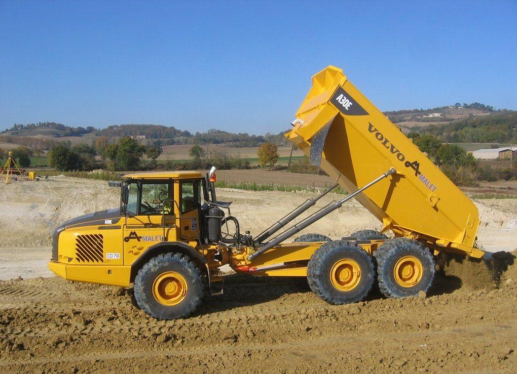 Updated articulated dump truck Komatsu HM300-3