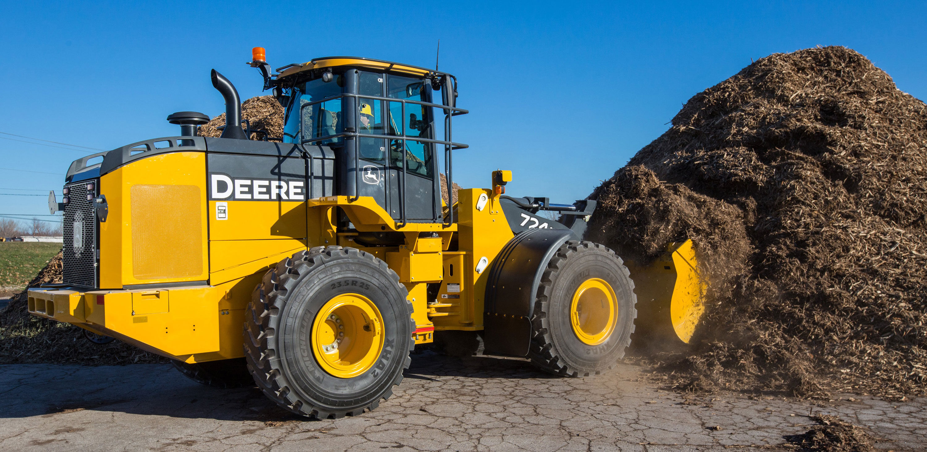 John Deere Introduces Final Tier 4 Utility Wheel Loaders