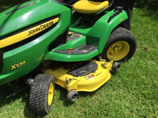 John Deere Lawn Tractor w 4 wheel steering (5% bp)