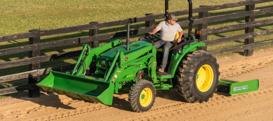 John Deere 4 Family Compact Utility Tractors ...