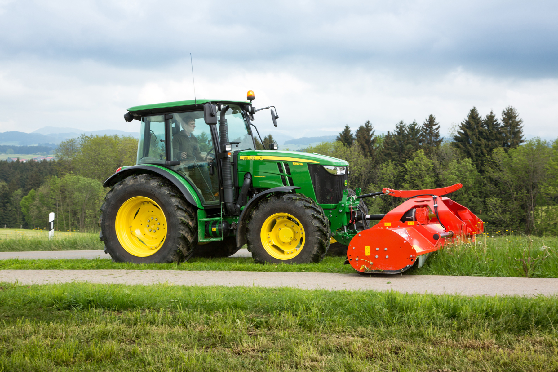 New generation 5M Series tractor from John Deere | Pitchcare