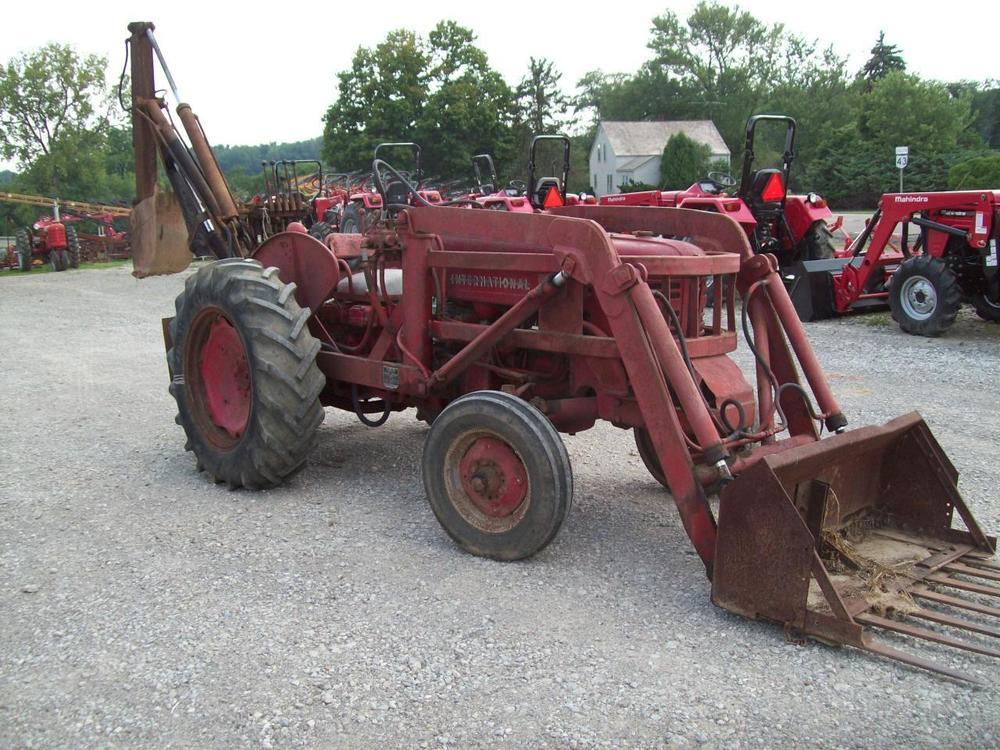 International 300 Utility Tractor Loader Backhoe ; Henry ...