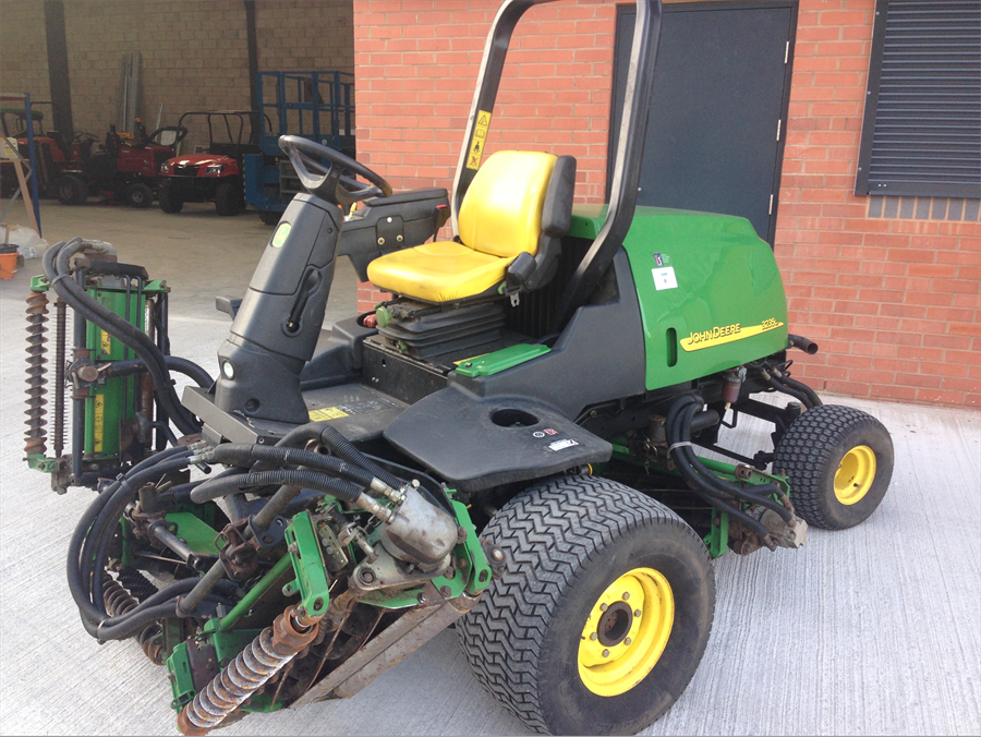 John Deere 3235C Fairway Mower (Used)