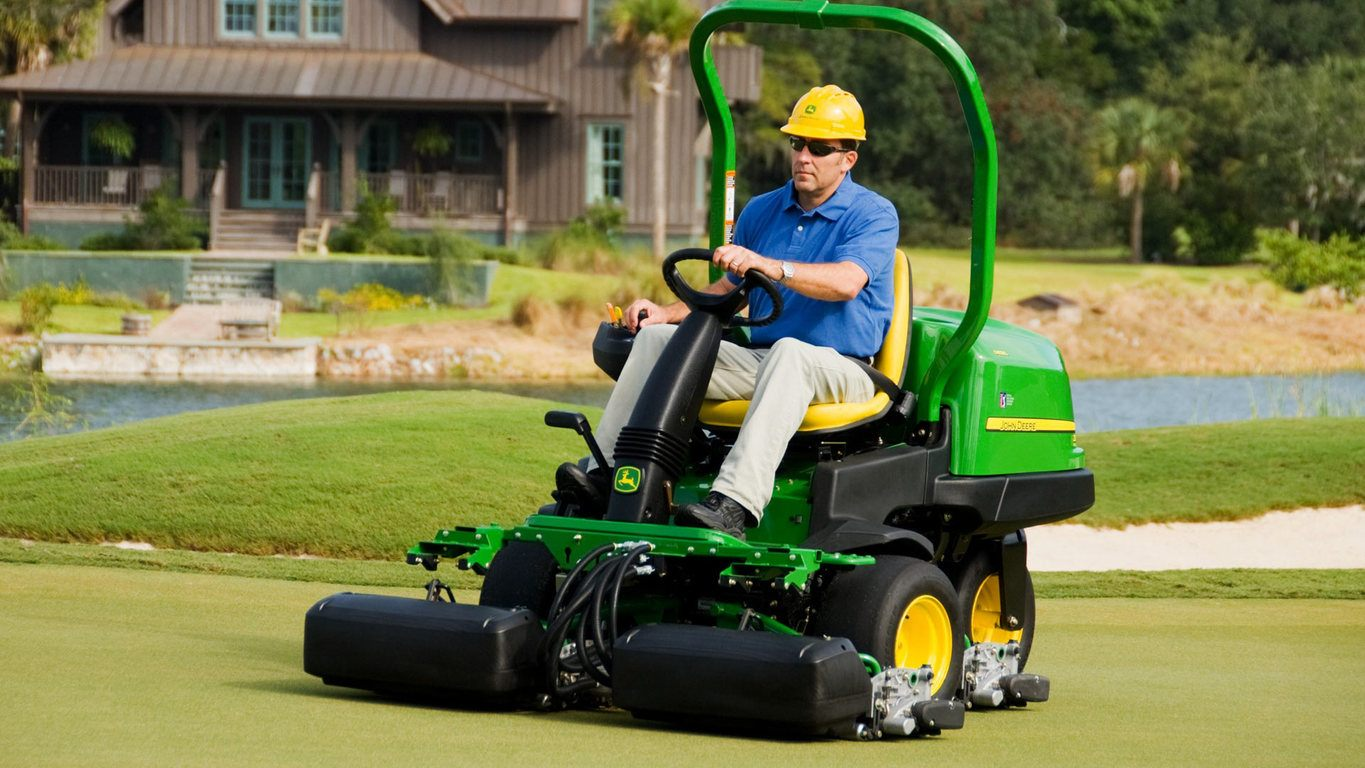 Riding Greens Mowers | 2500B PrecisionCut™ Diesel | John ...