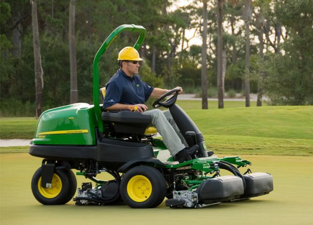 John Deere 2500B Diesel Riding Greens Mowers