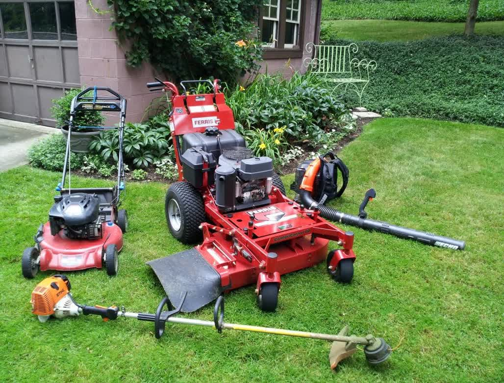 Keep your yard look great with the right landscape ...