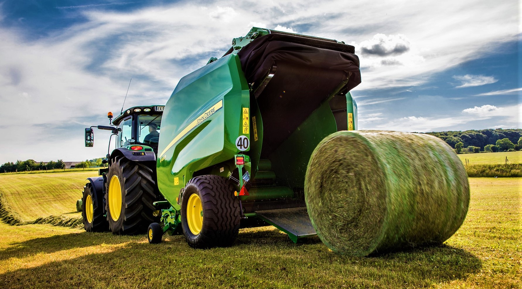 Pics: New round balers from machinery giant John Deere ...