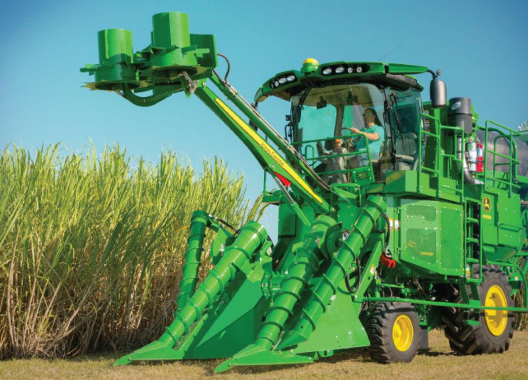 Sugar Harvesting   John Deere TH
