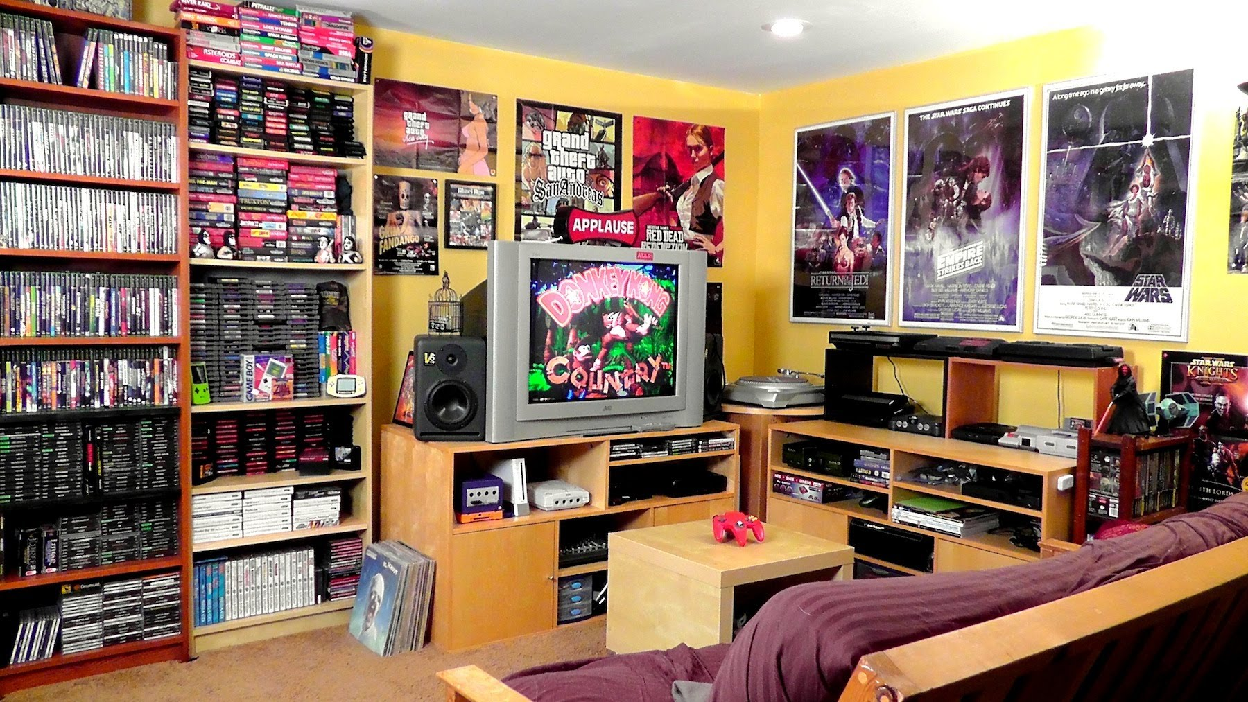 4 Steps to a Video Gamer's Dream Room | DudeLiving