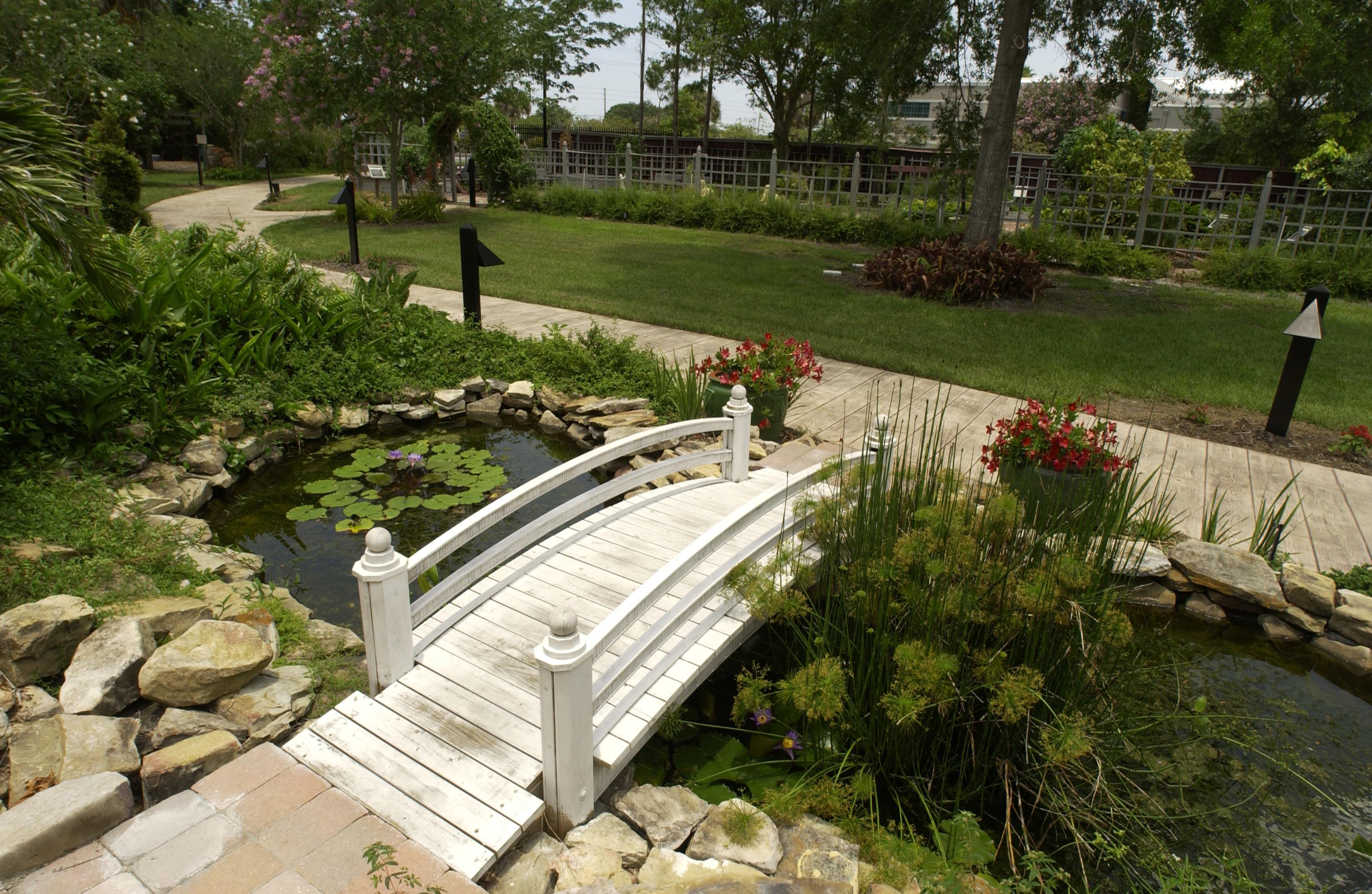 Garden Patio Ideas Pictures | Perfect Home and Garden Design